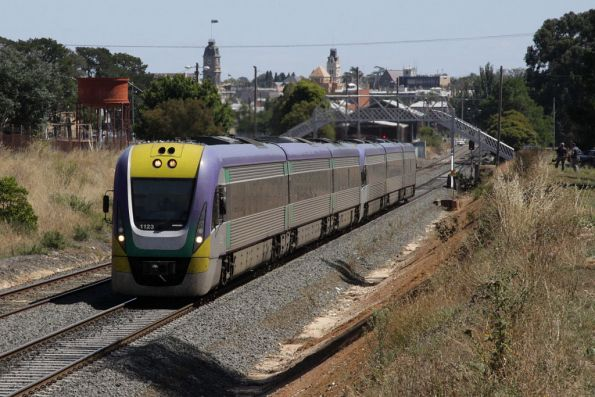 VLocity 3VL23 leads a 3 car classmate out of Ballarat on the up