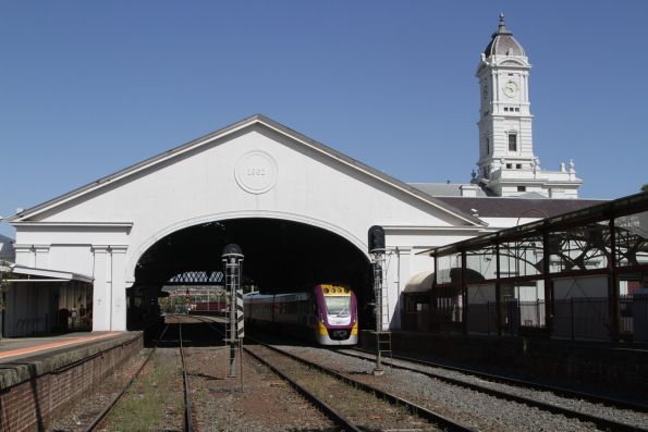 VLocity train in the platform at Ballarat station