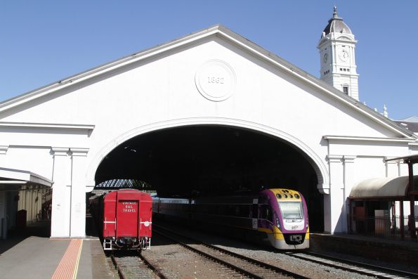 VLocity 3VL39 at Ballarat station