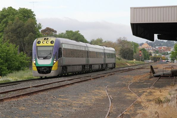 VLocity VL36 at North Ballarat Junction with a down service