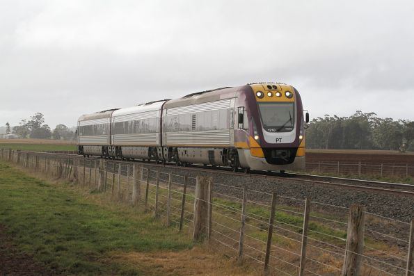 VLocity VL10 bound for Ballarat traverses the soon to be closed Bungaree Loop