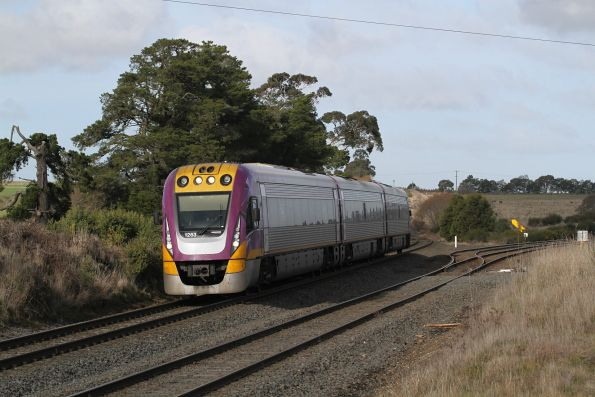 VLocity VL63 passes through Warrenheip on the down