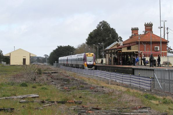 VLocity VL07 and classmate arrive into Ballan station on the up