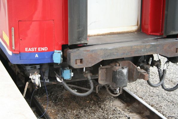 East end connections of a power door equipped N set