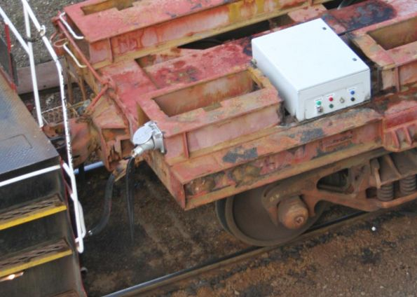 Carriage power door controls on shunters float VZLA78