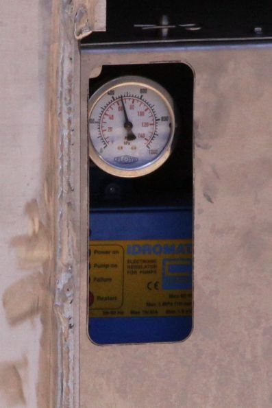 Water pump gauge on a carriage of set SN15