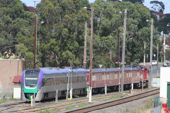 VLocity VL30 stabled in the up end siding at Traralgon, along with an N class and FSH carriage set