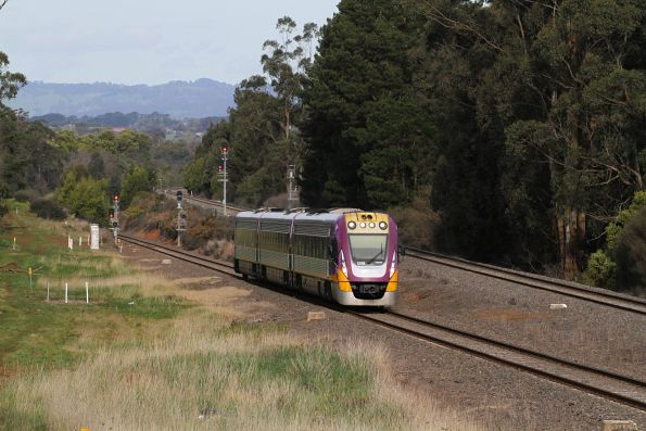 VLocity VL58 on the up at Lardners Track