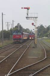 N463 arriving at South Geelong, with N456 stabled in Siding B