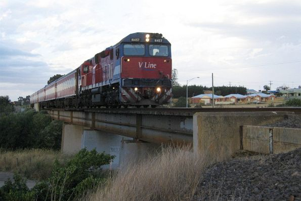N457 headed for Marshall, crossing the Barwon River at Breakwater