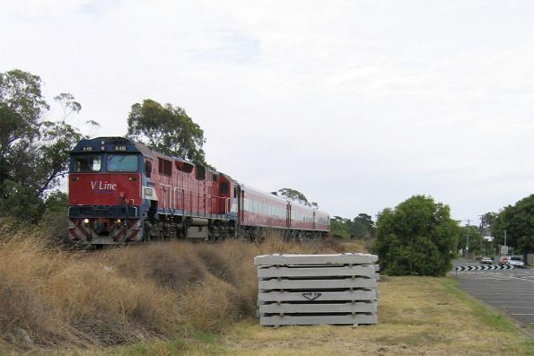 N451 and N set arriving at South Geelong