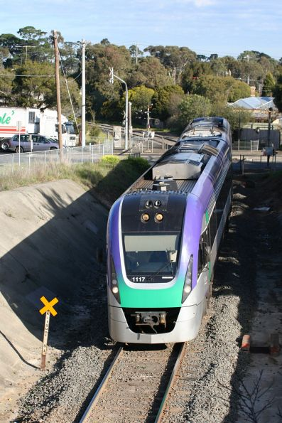 VL17 entering the Geelong Tunnel