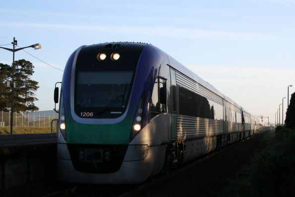 VL06 leads two classmates at Corio on an empty cars run to Geelong