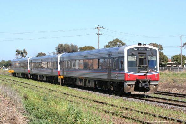 Sprinters 7002/70xx/7020 at North Shore on an up Geelong service