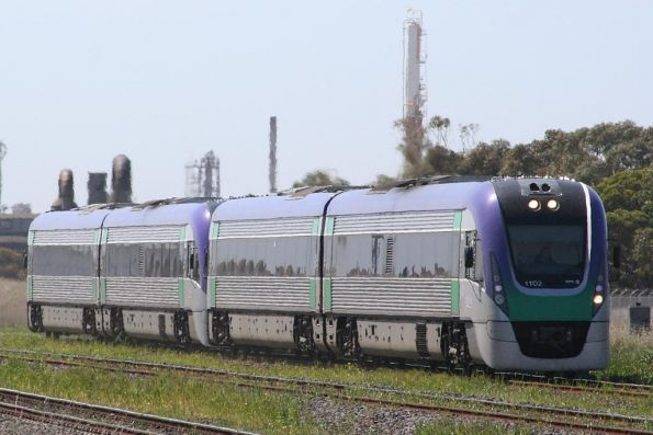 VL02 and VL34 at North Shore on a down Geelong