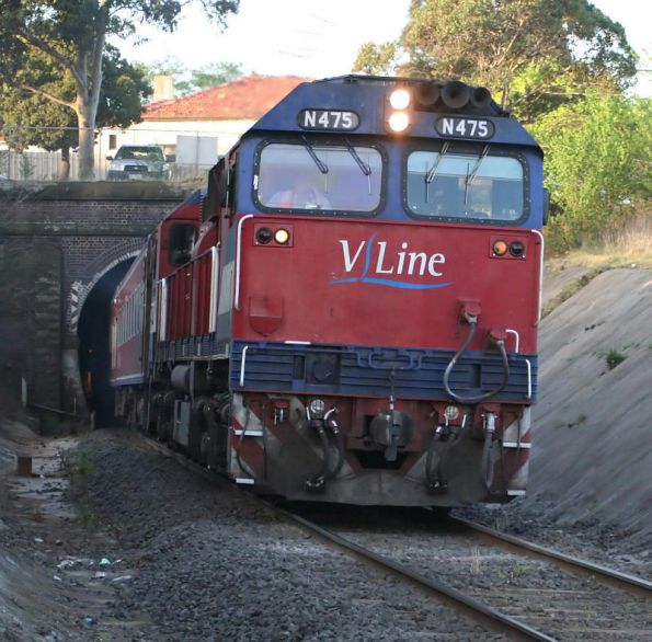 N475 exiting the South Geelong tunnel