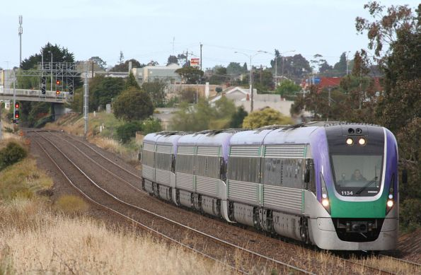 VL34 arriving at North Geelong