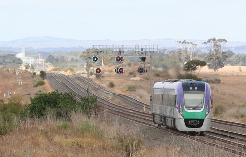 VL14 on a down Geelong service outside Little River