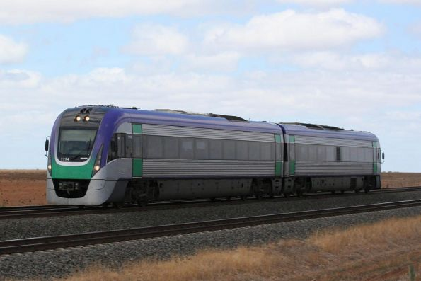 VL14 on an up Geelong service outside Little River