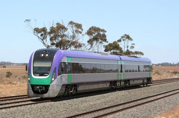 VL33 on an up Geelong service outside Little River