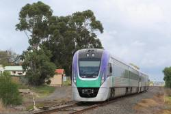 VL17 passing Geelong Racecourse