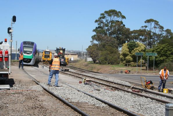 VLocity VL13 and VL17 lead a down service through an active worksite at North Shore