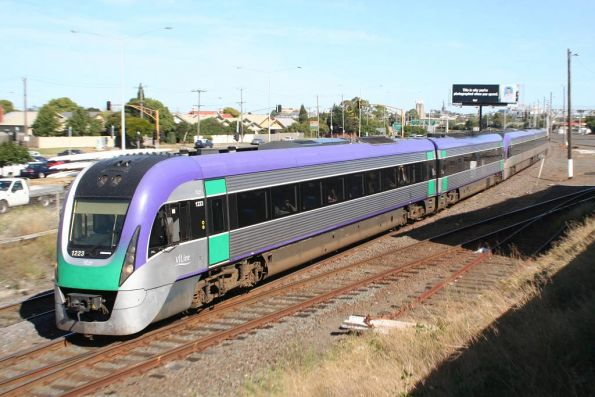 VL23 leads out of Geelong
