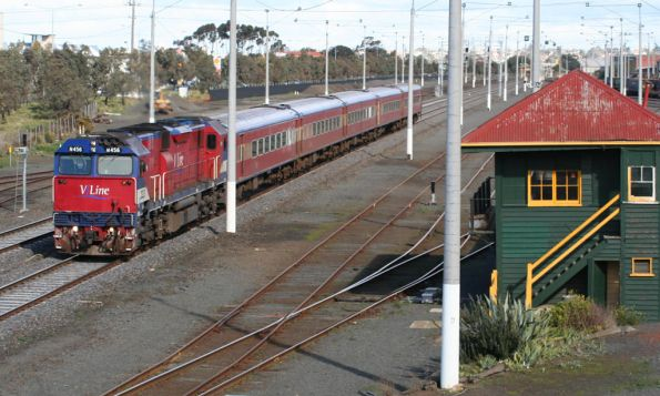N456 on the up passes North Geelong A