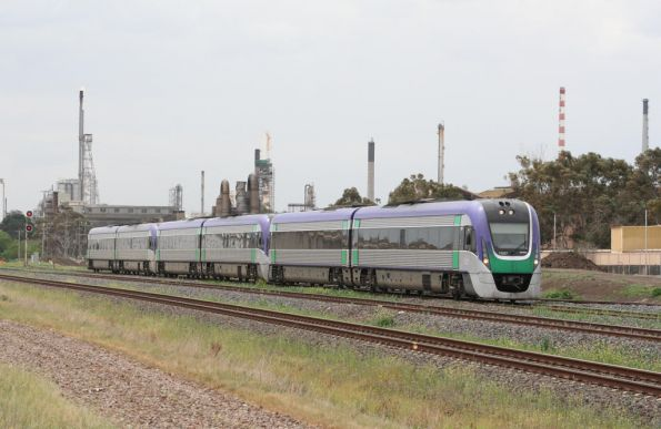 Triple Vlocities bound for Geelong at North Shore