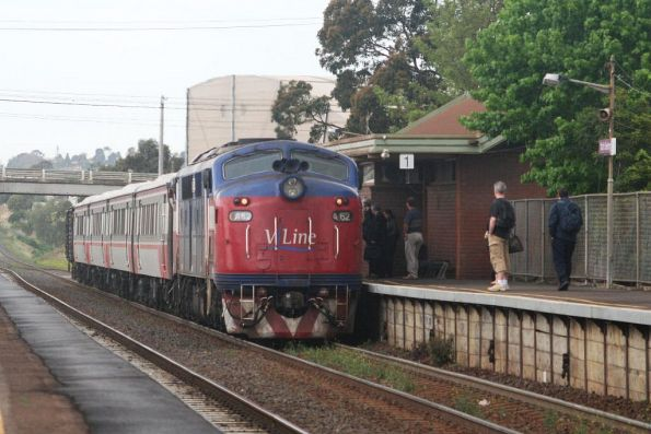 Talk about slack timetables, A62 arrives into North Geelong