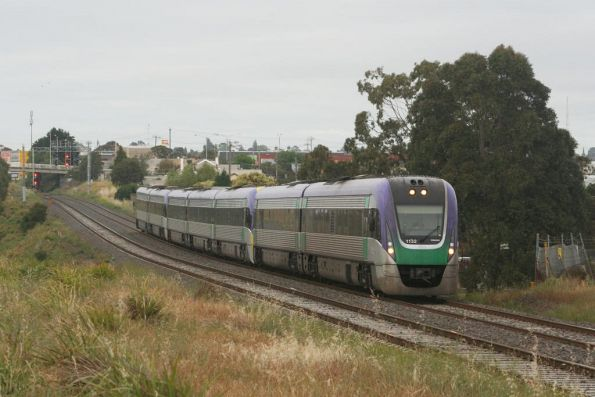 7 car train on the up at North Geelong