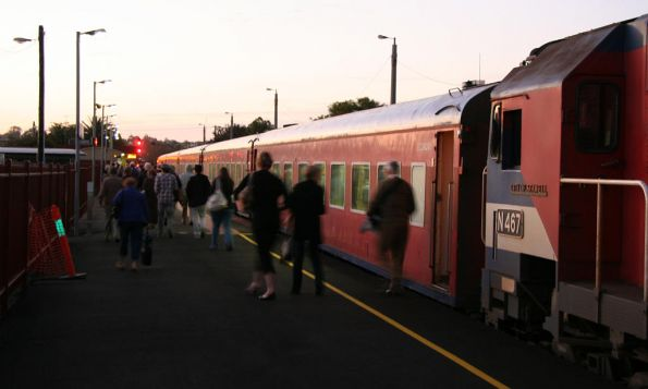 Passengers leave the train at South Geelong, N467 leads decrepit looking carriage set VN15