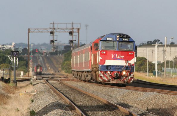 N473 climbs upgrade into Corio, a down train in the background