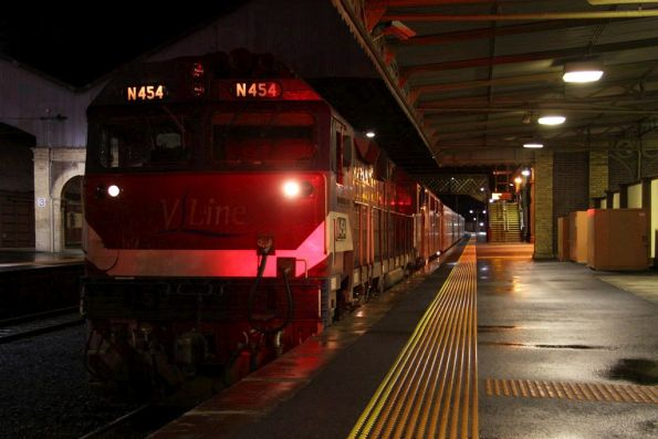 N454 and A62 on arrival at Geelong