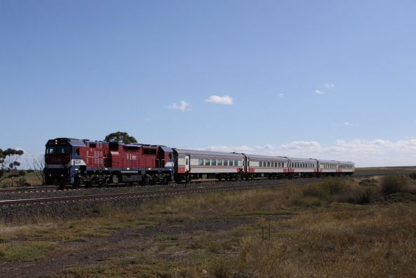 N465 leads an up Geelong train at Manor