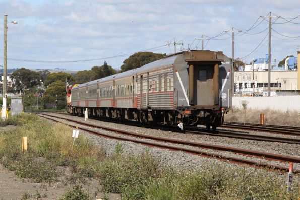 N460 and a SN set at North Shore, headed for Geelong empty cars