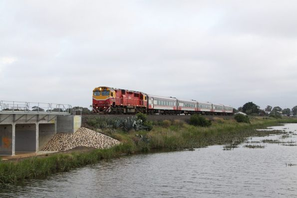 N452 leads the up Warrnambool train out of Marshall