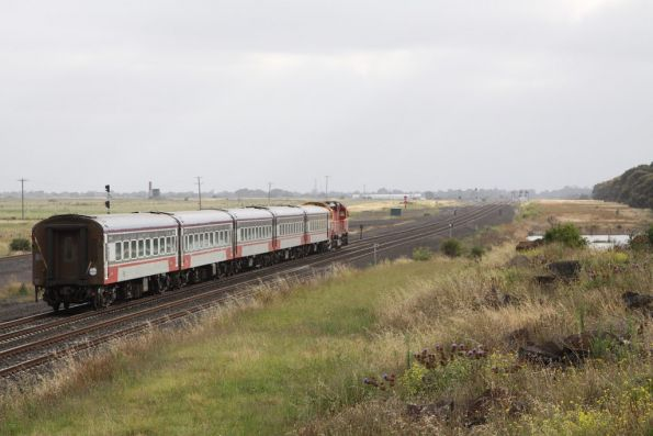Up V/Line service passes the track slew for RRL at Manor Junction