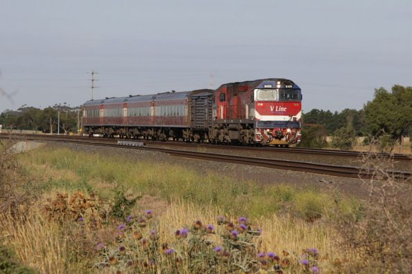 N474 leads a down Geelong service out of Werribee