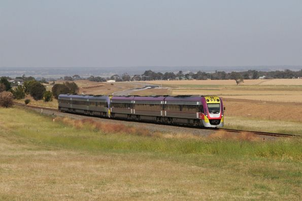 VLocity 3VL51 and classmate arrive into Waurn Ponds station on the down