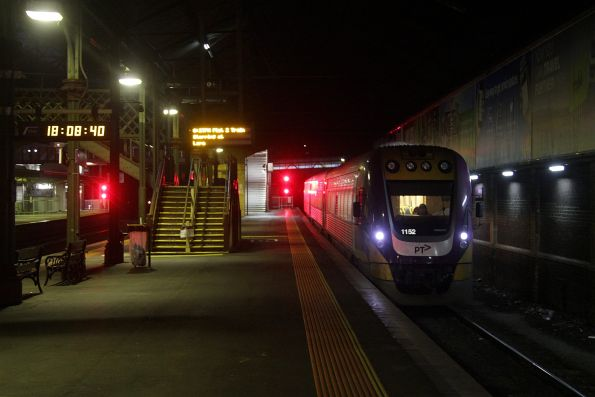 VLocity 3VL52 shunts out of Geelong platform 3