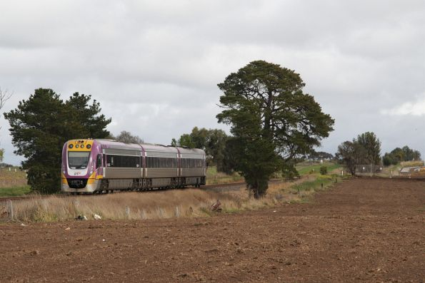 Solo VLocity 3VL56 on a down Waurn Ponds service at Grovedale