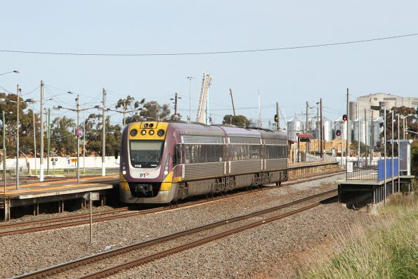 VLocity VL18 on the up at North Shore station