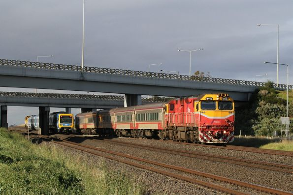 N461 leads a down Geelong service towards Corio