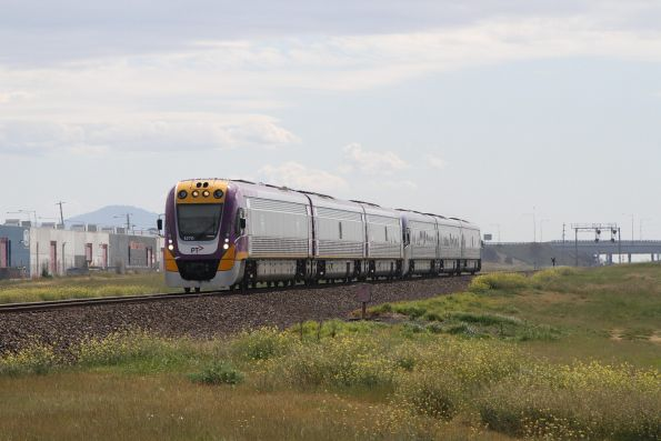 VLocity VL70 leads VL20 on the down into Corio