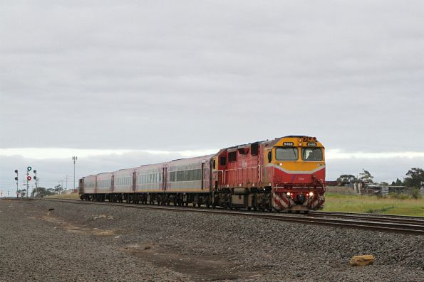 N468 leads an up Warrnambool service out of North Shore