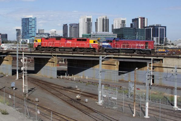 N470 and P17 on the North Melbourne flyover return light engine from South Dynon