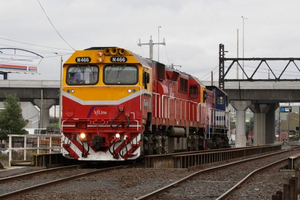 N466 leads Y161 out of South Dynon