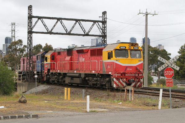 N458 and Y161 arrive at South Dynon