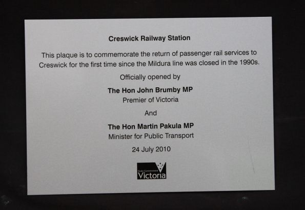 Plaque unvelied at Creswick station